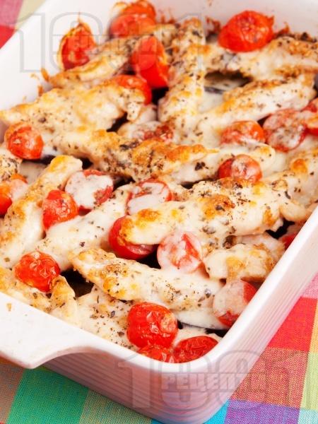 Патладжани с пилешко и чери домати на фурна - снимка на рецептата